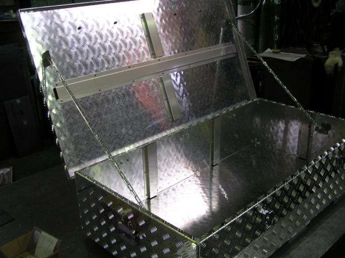 アルミ製収納箱